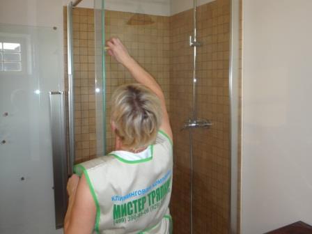 мытьё стеклянных поверхностей
