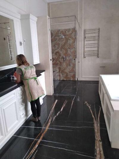 кухня полируется со всех сторон